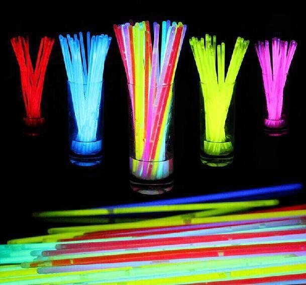 Купить товарБесплатная доставка, 100 шт., пластиковый материал, по охране окружающей среды, высокое качество, льготные, свет палочки. 148 в категории Светящиеся игрушкина AliExpress.