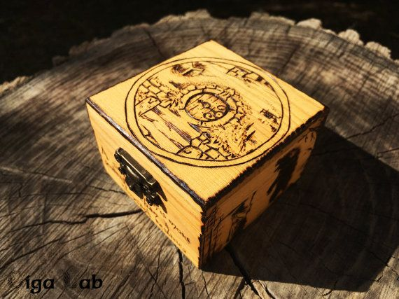 Bilbo's House Box  The Hobbit di GigaLabWoodCreations su Etsy