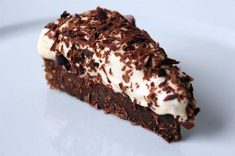 Chokolademarcipanbund med hvid lakridsmousse