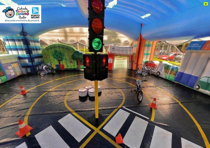 Porto Seguro Auto traz a Cidade Portinho ao Shopping Botucatu -     Para que as boas práticas no trânsito não saiam da rotina e que os futuros condutores não desrespeitem as regras, o Porto Seguro Auto, em parceria com o Shopping Botucatu, trará à região a Cidade Portinho, projeto educativo desenvolvido para crianças de 5 a 11 anos, que acontecerá ent - http://acontecebotucatu.com.br/cidade/porto-seguro-auto-traz-cidade-portinho-ao-shopping-botucatu/