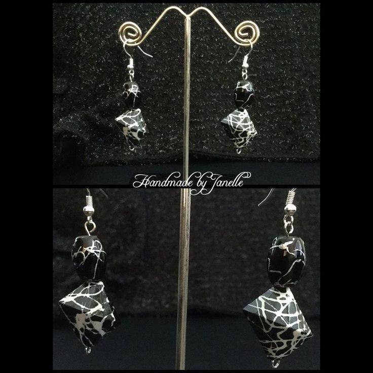 Black & white chunky earrings shop @ http://stores.ebay.com.au/Handmade-by-Janelle?_rdc=1