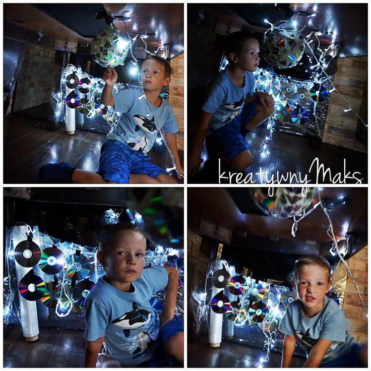 Zabawy tematyczno-sensoryczne pod stołem - Kula dyskotekowa   Portal o Integracji Sensorycznej dla terapeutów i rodziców