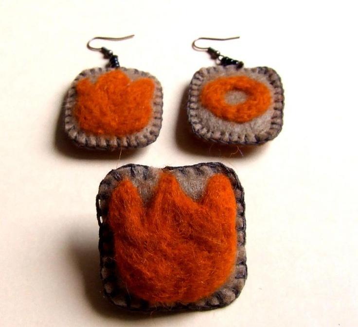 Felt Earring by http://www.breslo.hu/item/Tulipanos-bross-es-fulbevalo_3710#