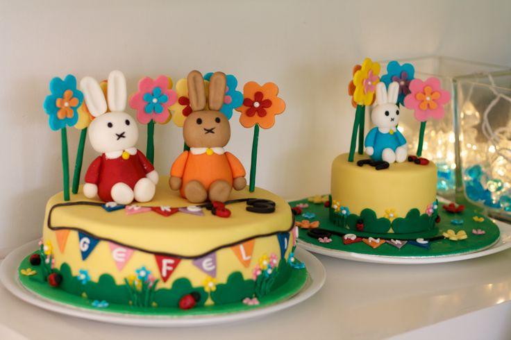 dec '13: Een hele bijzondere Nijntje taart voor een super lief 3 jarig meisje. Het kleine taartje is ei- en melkvrij... Door de 3D figuurtjes en vele decoraties is deze taart wel wat duurder dan normaal: grote taart: 55 euro, 14 personen.  Kleine taart 25 euro, 6 personen.