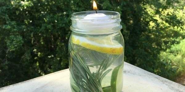 Le zanzare vi tormentano durante le sere d'estate? Allora provate ad allontanarle con un semplice rimedio da preparare con una candela, ingredienti naturali che avete in cucina o in dispensa e un barattolo di vetro.