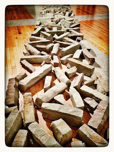 Sandstone Line, by Richard Long (Museu Coleção Berardo)