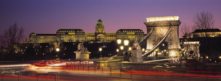 The Royal Palace of Buda, Chain Bridge by night
