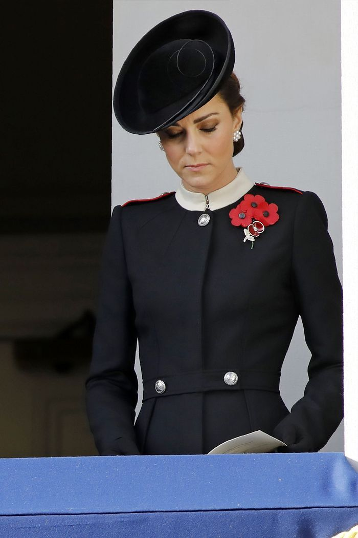 kate just changed into chanel and the most epic headband kate middleton duchess kate kate middleton style kate middleton duchess kate