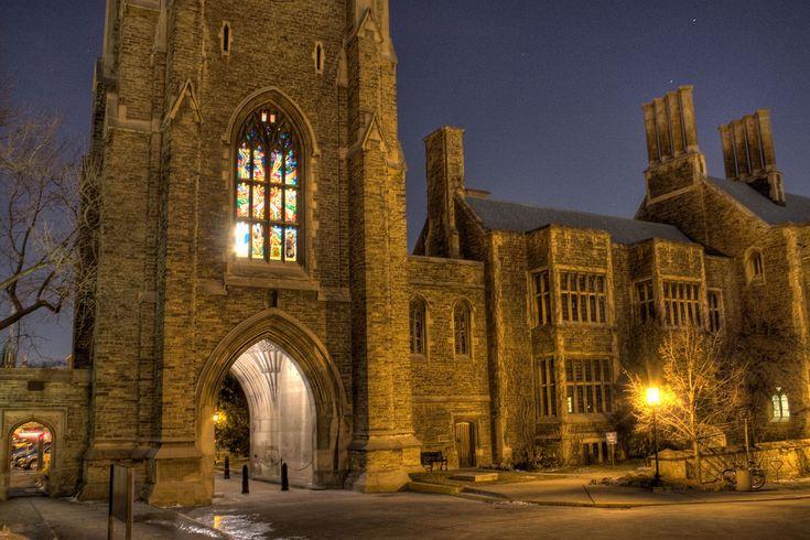 The perfect wedding venue - Hart House (University of Toronto) #HartHouse #Bride #Toronto #Wedding
