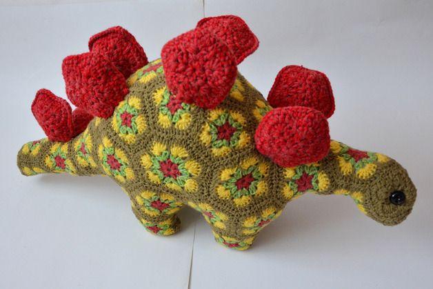 dinozaur,szydełko,motyw afrykanski https://www.facebook.com/iwona.borowiec.54