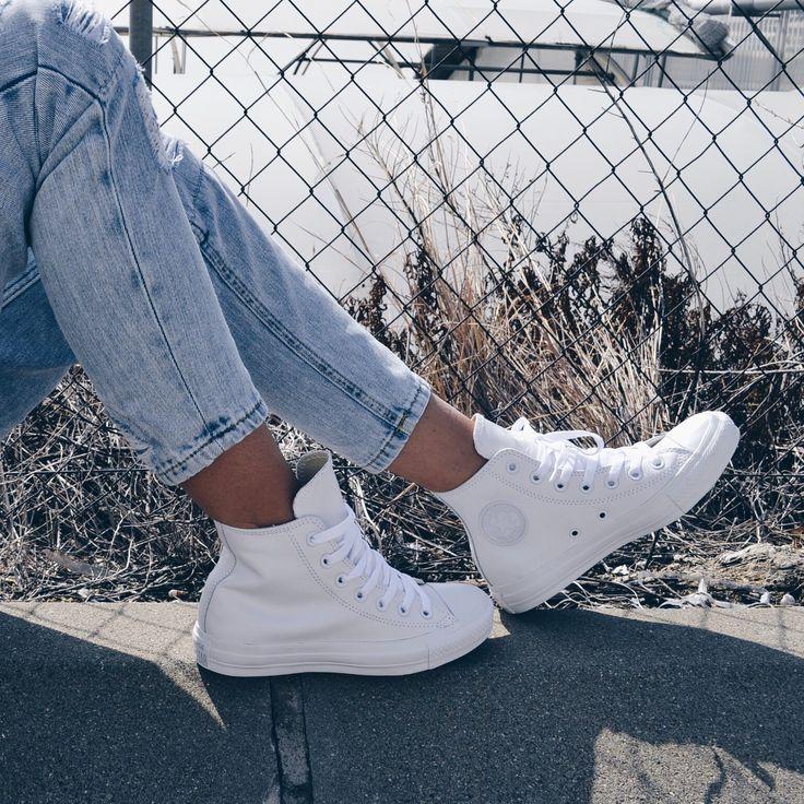 #Zapas de corte con caña alta botín de Converse... Ideales para combinar con jeans rotos ¡Look vaquero!