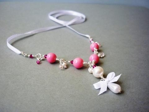 Élénk rózsaszín és fehér romantikus masnis nyaklánc, Ékszer, Nyaklánc, Meska
