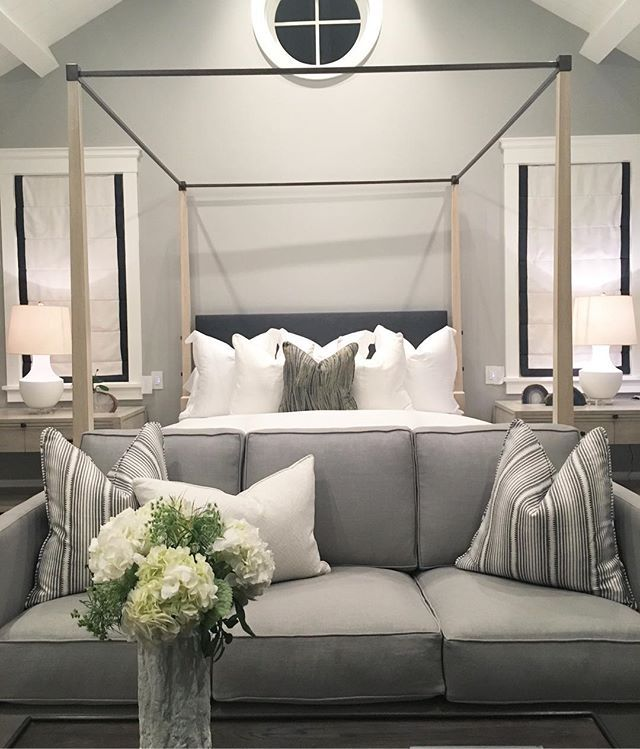 Best 25 foot of bed ideas on pinterest bedroom bench for Sofa at foot of bed
