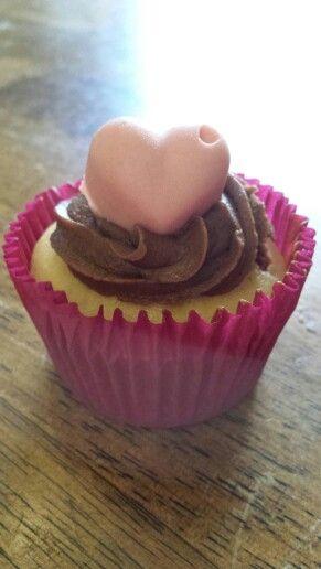 Valentine Choc Heart cupcakes