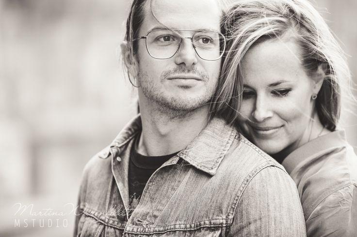 Engagement session, love portraits, couple session, portrait photography, black and white, Sweden, Martina Wärenfeldt
