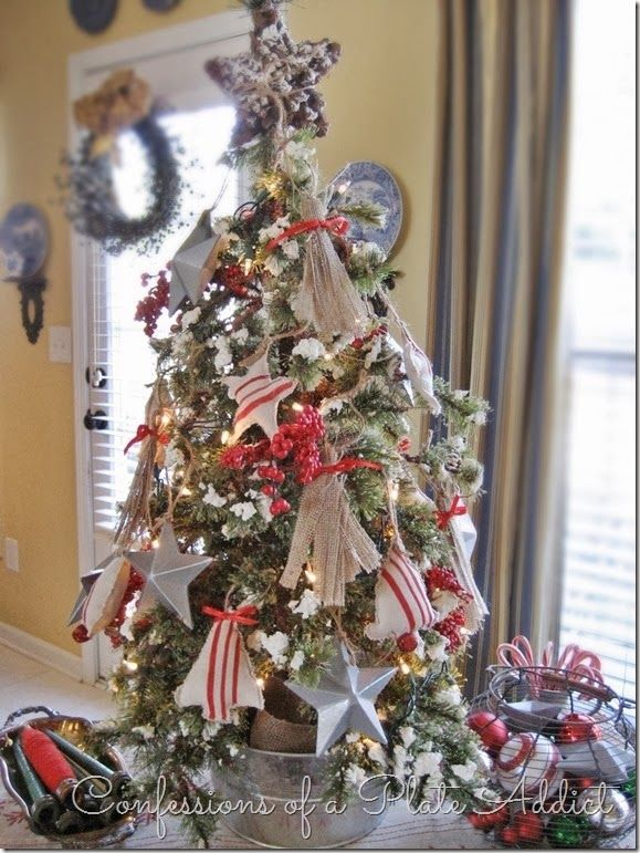 CONFESSIONS OF A PLATE ADDICT: A Farmhouse Christmas Tree with Super Easy DIY Galvanized Stars
