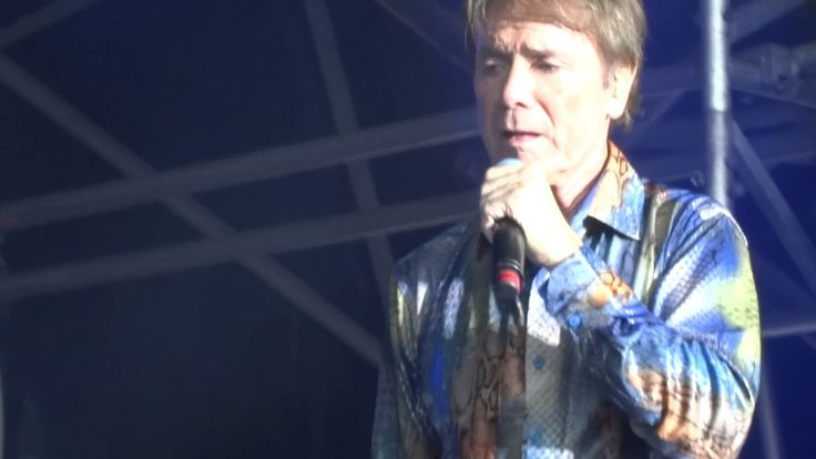 Cliff Richard - Eastnor Castle - Miss You Nights