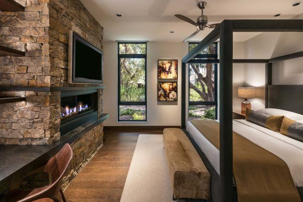 Walls Of Glass Defines Arizona Home Re Imagined For A Modern Lifestyle
