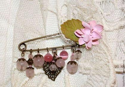 """Броши ручной работы. Ярмарка Мастеров - ручная работа. Купить """"Розовая гортензия"""" Брошь. Handmade. Цветы, розовый, розовый кварц"""