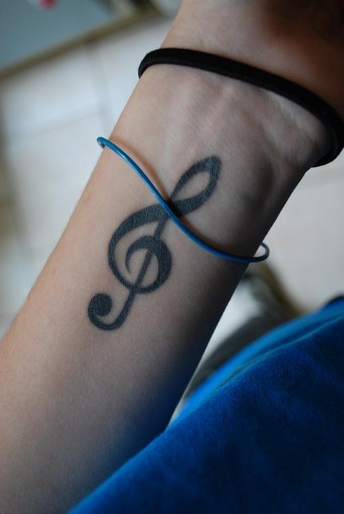 Music tattoo | Tatouage Clé de sol, Photos et Modèles de tatouages musique