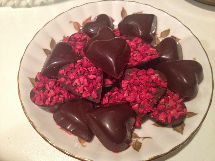 Lulu's Wonderland: Dark Chocolate & Raspberry Love Hearts