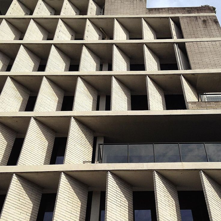 In this lesser known Brutalist period building by the Sydney architect Harry…