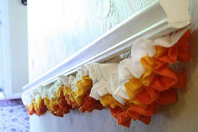Ruffled candy corn garland. So cute!Fall Leaves, Halloween Decor, Christmas Colors, Candy Corn, Candies Corn, Colors Schemes, Candycorn, Corn Garlands, Felt Garlands