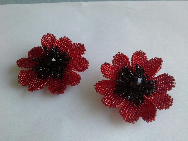 Beaded poppy made at Begelly beads class
