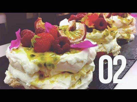 Sladká škola | 02 - MINI PAVLOVE TORTY | Lulus bakery - YouTube