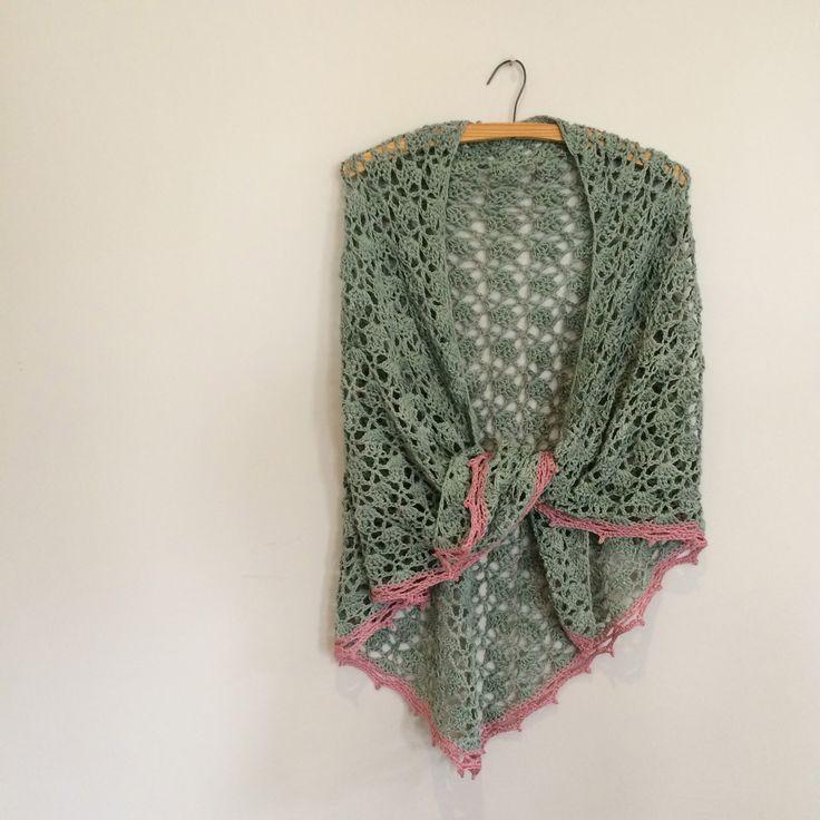 Haak-en-stekie: My take on the Elise-shawl