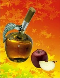 """Per ratafìa o rataffia (che in piemontese significa """"gratta fiato"""") si intende il liquore composto da un infuso a base di alcol e frutta; dopo aver spiegato di cosa stiamo parlando, vediamo insieme come preparare la semplicissima ricetta per la ratafìa di mele"""