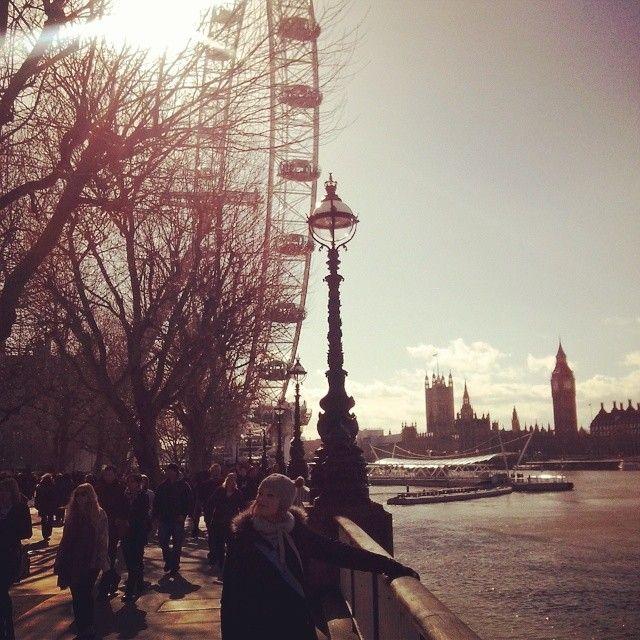 #loveit #memories #london #londoneye #march #winter #2015 #zareczyny #polishgirl #uk #gb #anglia #bigben #tamiza #holiday #ring #beautiful #itsme #zloootko #jubileegardens ♡ #instagirl #engagement #stevenage