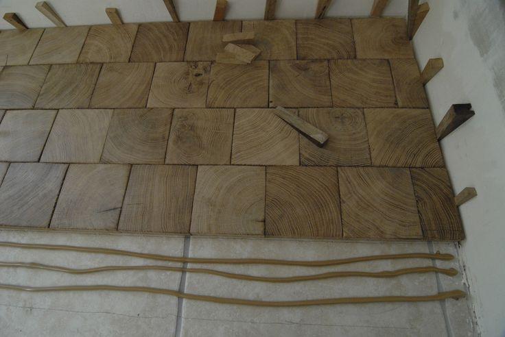 Pavés chêne en bois debout                                                                                                                                                                                 Plus
