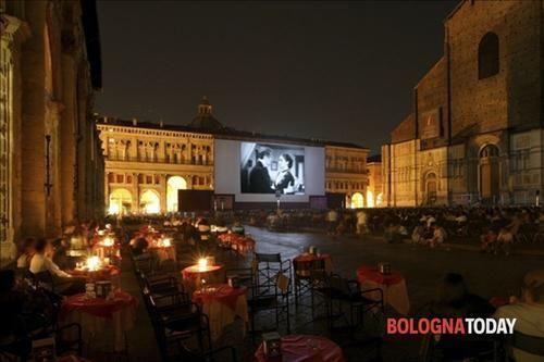 Emilia #Romagna: #Piazza Maggiore: #50 serate 'Sotto le stelle del Cinema': tra 'Amarcord' e... (link: http://ift.tt/1UPpgVy )