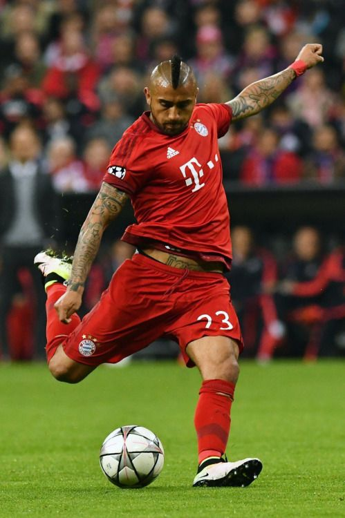 Bastante más aplomado anda por estos el Arturo Vidal, a favor del FC Bayern Munich.
