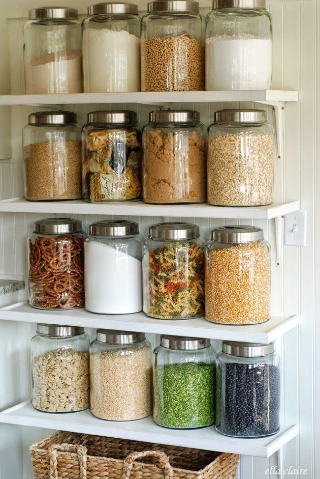 Whether you have open shelving in your kitchen or pantry, or just need a few essentials out on your countertops, glass jars are one of our favorite ways to organize in the kitchen. Here are 10 of our favorite kitchens that put glass jars to good use to stay organized.