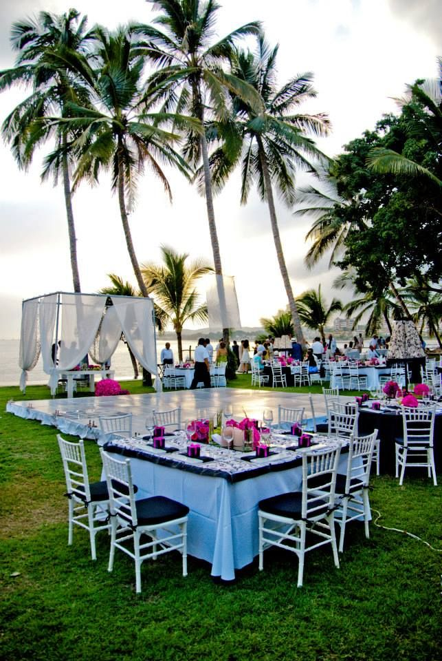 17 Best Images About Wedding Table Settings At Martoca Beach Garden On Pinter