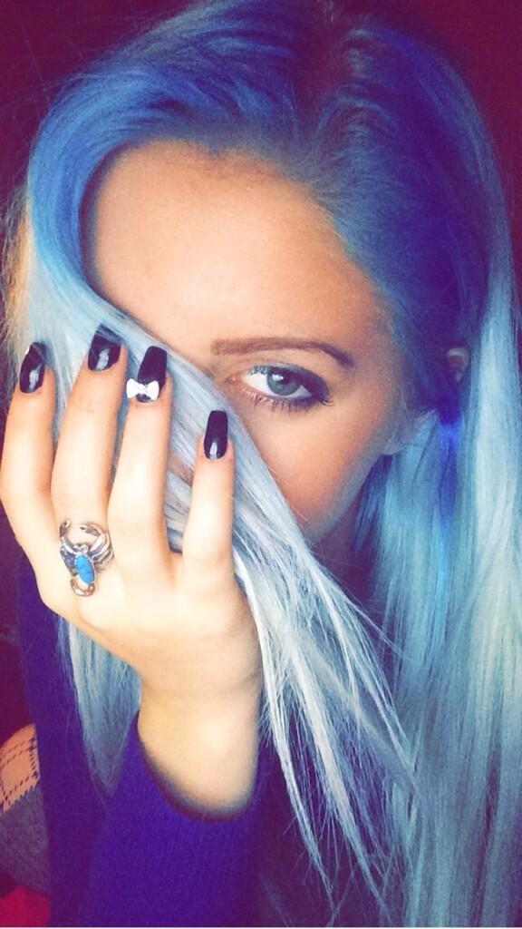 Blue hair/Colorful hair