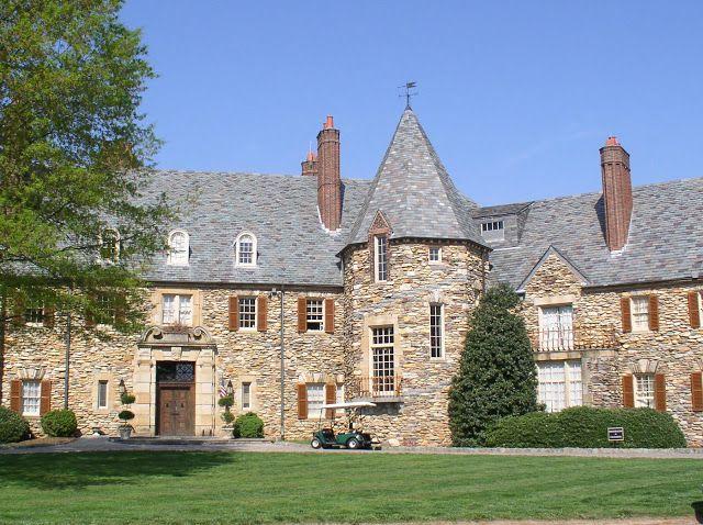 Dovecote Decor: Reynolda Gardens and The Wake Forest University Campus