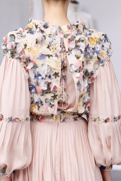 nice voguesurvenus: Chanel Couture Fall 2016 Check more at http://10ztalk.com/2016/11/20/voguesurvenuschanel-couture-fall-2016/