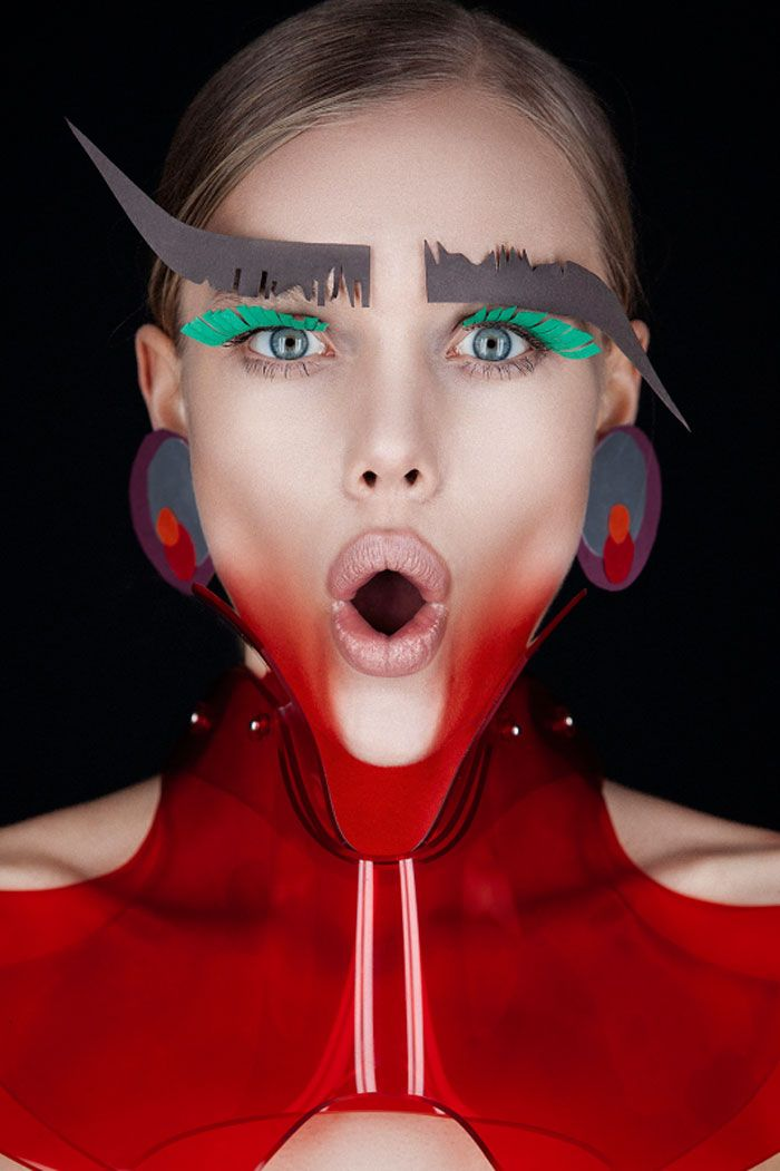 Le Papier… Magazine: Hunger TV Makeup: Heidi North Website: www.heidinorthmakeupartist.com Photography: Tré & Elmaz Website: www.treandelmaz.com Twitter: @TreAndElmaz Styling: Victoria Barban Hair: Naomi Regan Model: Ellie Leith