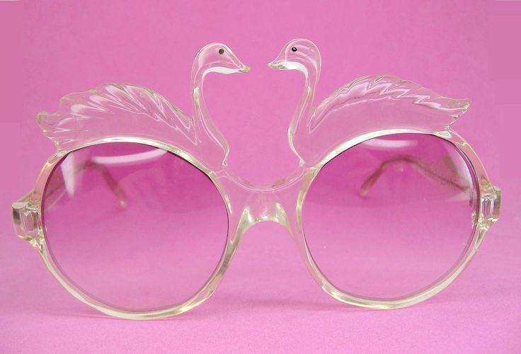 Vintage 70s Swan Sunglasses Eyewear Rare door Vintage50sEyewear