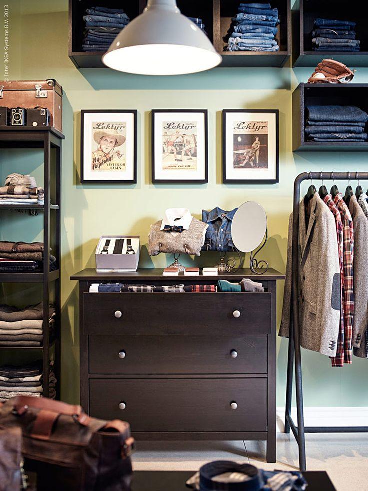 Klassisk höst | Livet Hemma – IKEA me gusta la disposicion de muebles, los cuadros, la lampara, el perchero, todo!!!!!!!!! pero lo haria con onda femenina!!