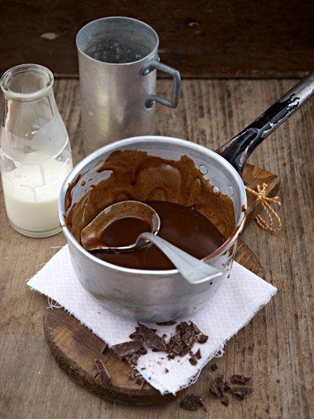 Sie schmeckt zu Eis und Kuchen, auf Pancakes und Waffeln, zu Obstsalat, Pudding und Milchreis ... ach - zu einfach allen Köstlichkeiten, die mit einem süß-aromatischen Upgrade noch köstlicher werden.