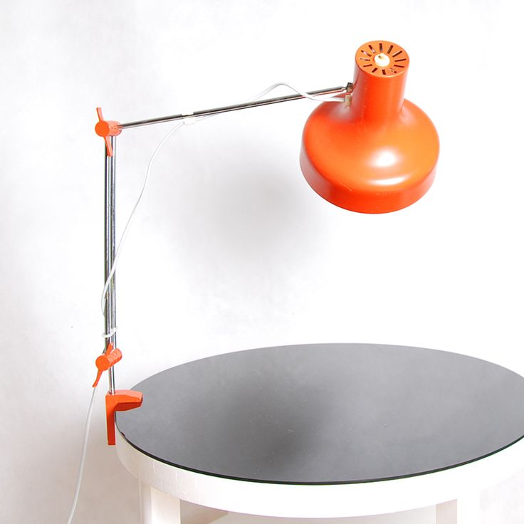 Lampa kreślarska projektu Josefa Hurka z lat 70.