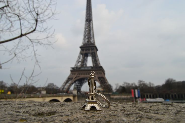 Mini me • Eiffel Tower Paris France #smartlife