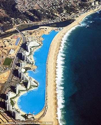 Según el libro Guinness de los Récords, la piscina más grande del mundo está situada en el resort turístico San Alfonso del Mar, en Algarrobo, Chile