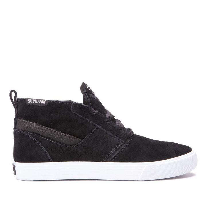 Minimalist deisgn for a casual-cool attitude >> Kensington Black-White from Supra Footwear, now avilable in store and online