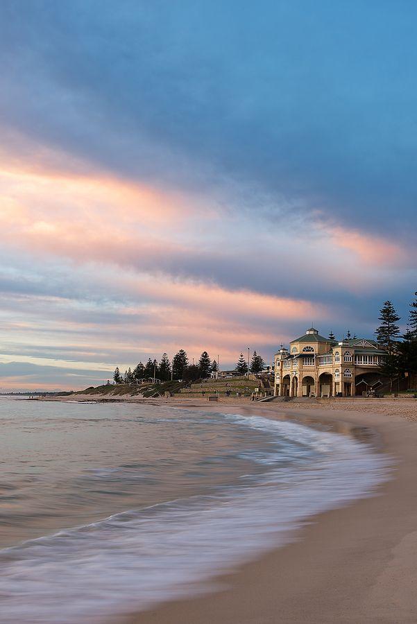 •♥•✿ڿڰۣ(̆̃̃•Aussiegirl #Australia Cottesloe Beach, Western Australia