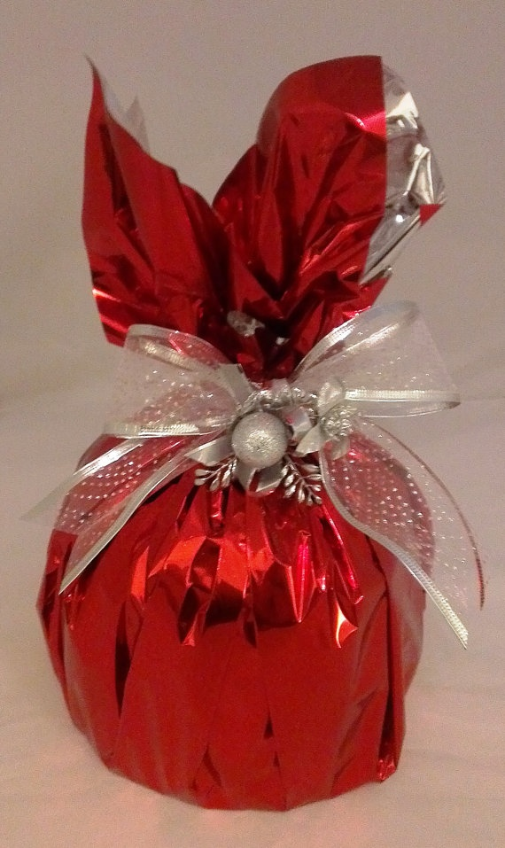 Decorated Christmas Panettone by Giornos on Etsy.
